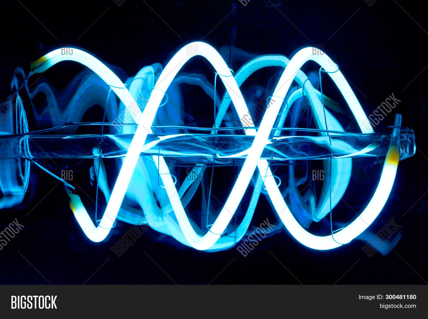 Energie,Filament,LED,Light,Light-emitting,blue,bright,close-up,dark,design,detail,diode,ecological,ecology,economical,electric,electrical,electronics,energy,engineering,helix,industry,lamp,lighting,modern,pear,pistons,semiconductor,silver,source,spiral,technology,white