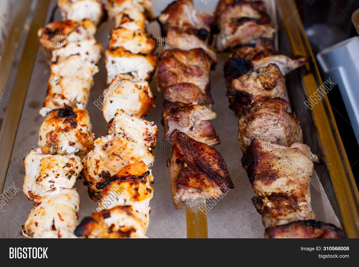 asian,background,bamboo,barbecue,bbq,beef,burn,chicken,chiken,closeup,cooked,cooking,cuisine,delicious,dinner,dish,eating,food,fresh,fried,gourmet,grill,grilled,healthy,hot,isolated,japanese,juicy,kabob,kebab,life,liver,lunch,meal,meat,onion,picnic,plate,pork,red,roast,roasted,skewer,snack,spices,stick,tasty,tomato,white,yakitori