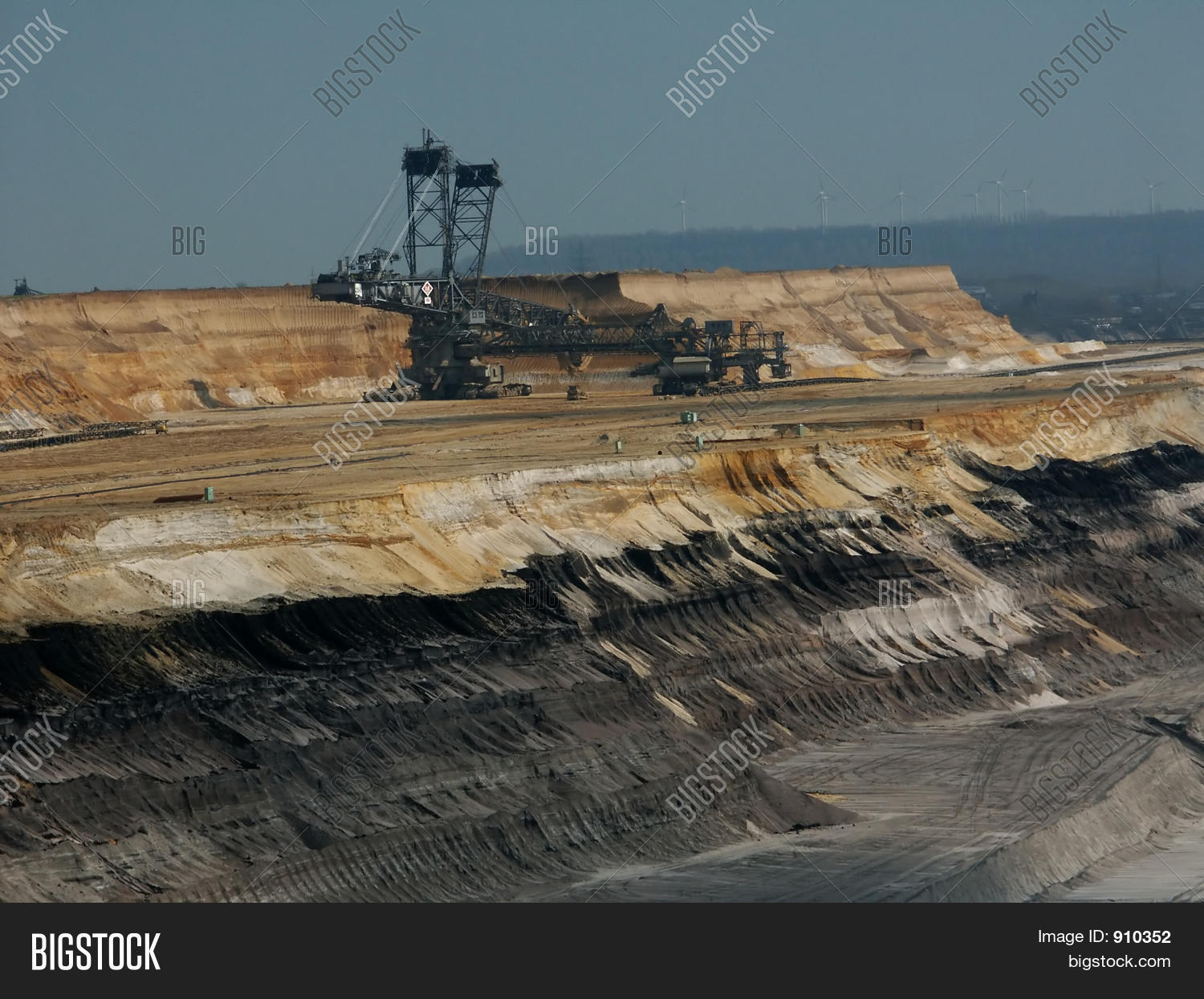 aboveground,big,black,browncoal,bucketwheel,coal,coalmining,coalterritory,color,colour,countryside,dark,destruction,electricity,energy,environment,environmentprotection,excavator,exhaust,giant,hole,industry,landscape,large,layerofearth,lignite,mining,nature,open,openpit,pit,pollutioncontrol,power,powerplant,sand,scenery,structure,trace,work,yellow