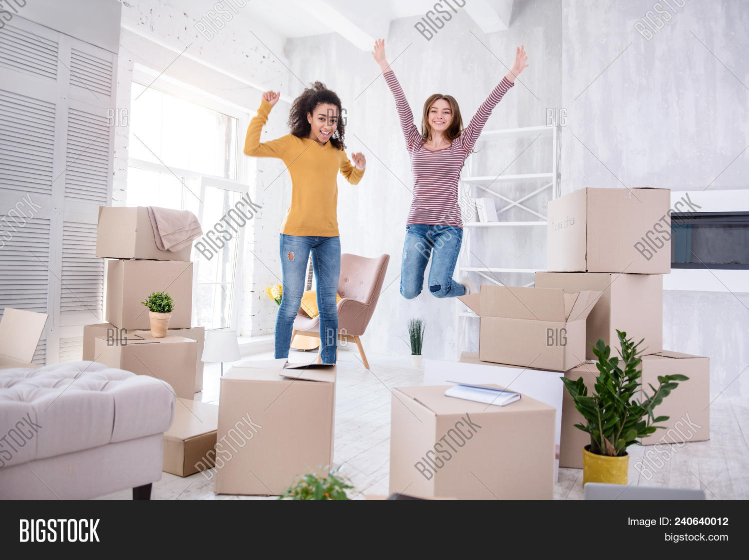 apartment,belongings,box,cartons,celebration,cohabitant,cohabitation,cost,domestic,dwelling,estate,expenses,flat,friends,full,girls,habitation,happy,homeowner,house,household,housing,in,independence,insurance,interior,jump,landlord,length,lifestyle,loan,move,moving,owner,ownership,packing,property,real,relocation,removal,renovation,rent,rental,renter,renting,residence,residential,roommate,unpacking,warming