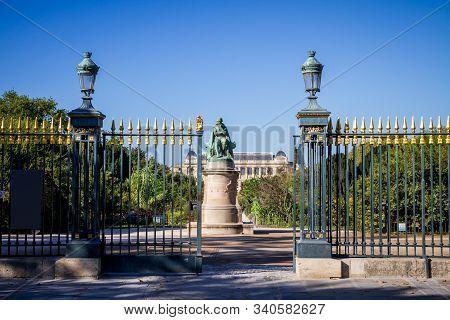 Jardin des plantes Park entrance and Lamarck statue, Paris, France stock photo