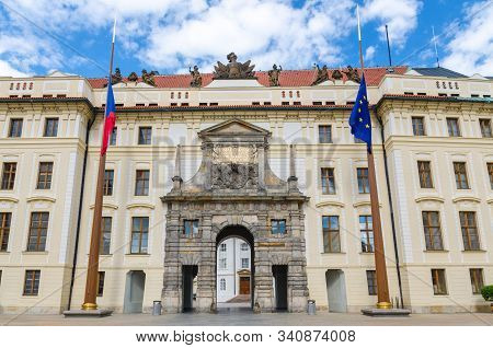 Matthias Gate of New Royal Palace (Novy kralovsky palac) and EU and Czech flags at flagpole in Prague Castle Hradcany, Lesser Town Mala Strana district, Bohemia, Czech Republic stock photo