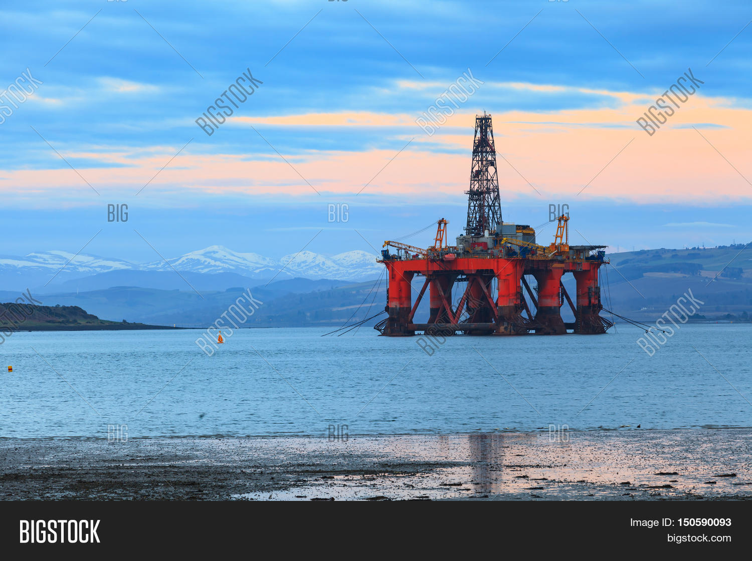 Cromarty,Firth,anchor,ballast,ballasted,buoyancy,business,cape,chain,derrick,driller,drilling,energy,engineering,environment,equipment,field,fuel,gas,gasoline,hightland,industrial,industry,inverness,kingdom,ocean,offshore,oil,oilfield,oilrig,operation,petroleum,pontoon,power,rig,scotland,sea,semi,sub,submersible,sunrise,sunset,town,uk,united,water,worker,yard