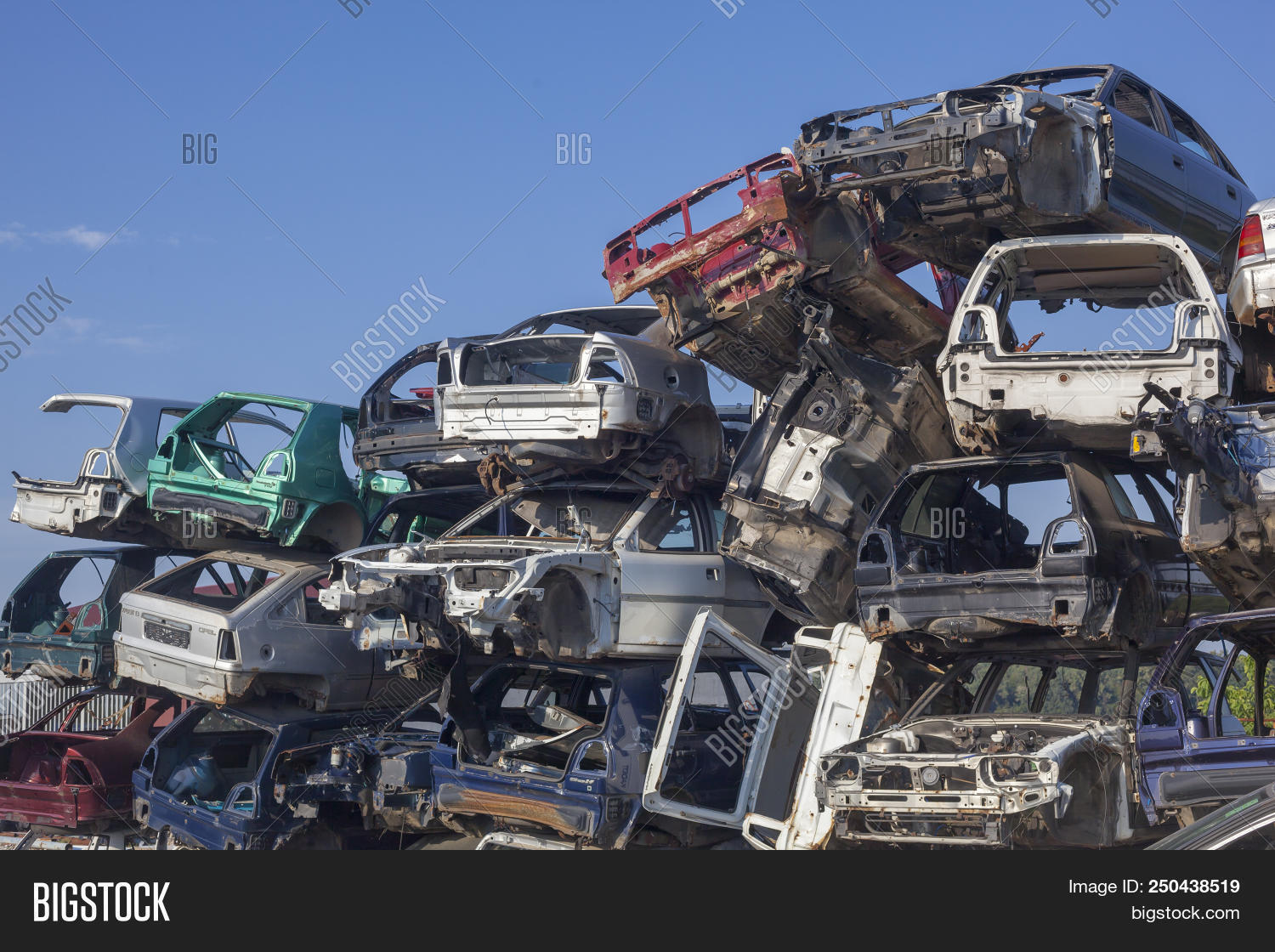 accident,auto,automobile,broken,car,damaged,dirty,dump,eco,ecology,environment,garbage,industrial,industry,junk,junkyard,metal,obsolete,old,pollution,recycle,recycled,recycling,ruined,rusty,scrap,scrapyard,stack,steel,trash,used,vehicle,waste