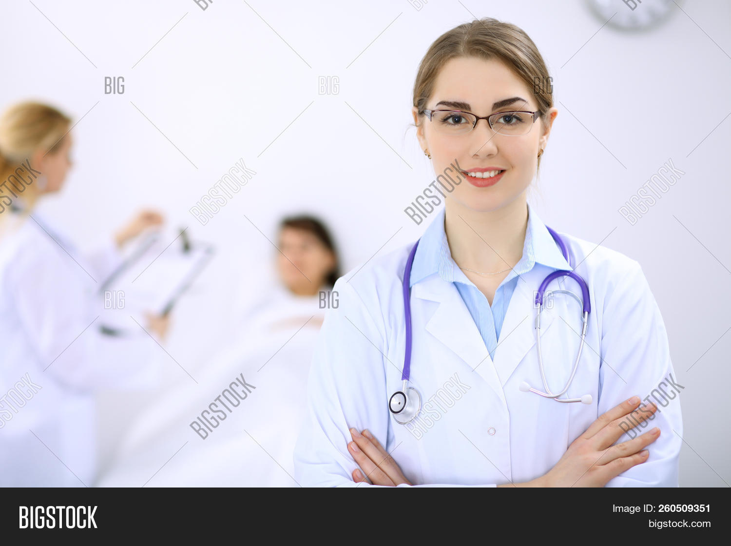 appointment,attractive,cabinet,cardiologist,care,clinic,clipboard,diagnosis,diagnostics,disease,doctor,emergency,examination,family,female,health,horizontal,hospital,illness,listening,looking,mature,medic,medical,medicare,paramedic,patient,pediatrician,people,person,physician,physiotherapist,practitioner,prescription,problem,professional,senior,smiling,specialist,staff,stethoscope,talking,uniform,visit,white,woman,working,writing