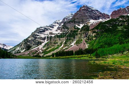 🔥 Infamous Maroon Bells , Summertime At Crater Lake Of The
