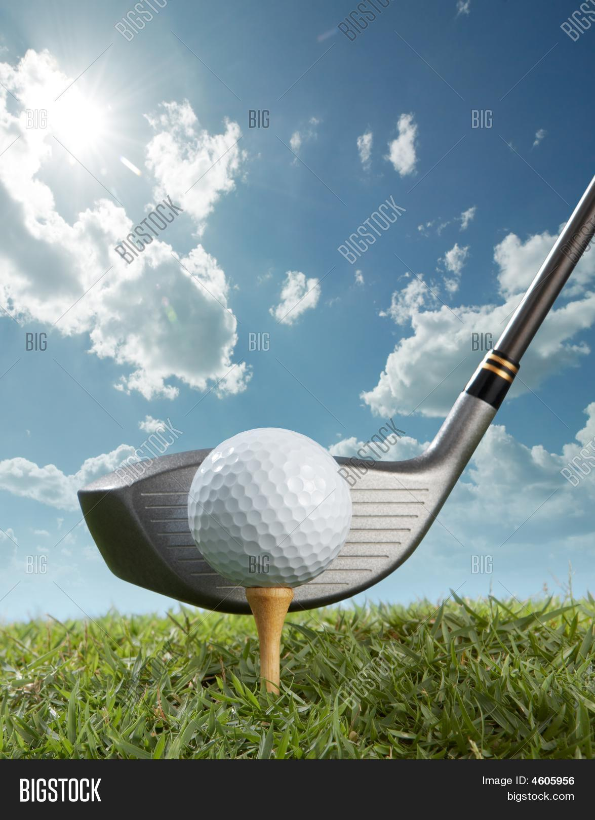 ball,close,close up,detail,driver,golf,grass,leisure,outdoor,recreation,sky,sport,sunny,tee