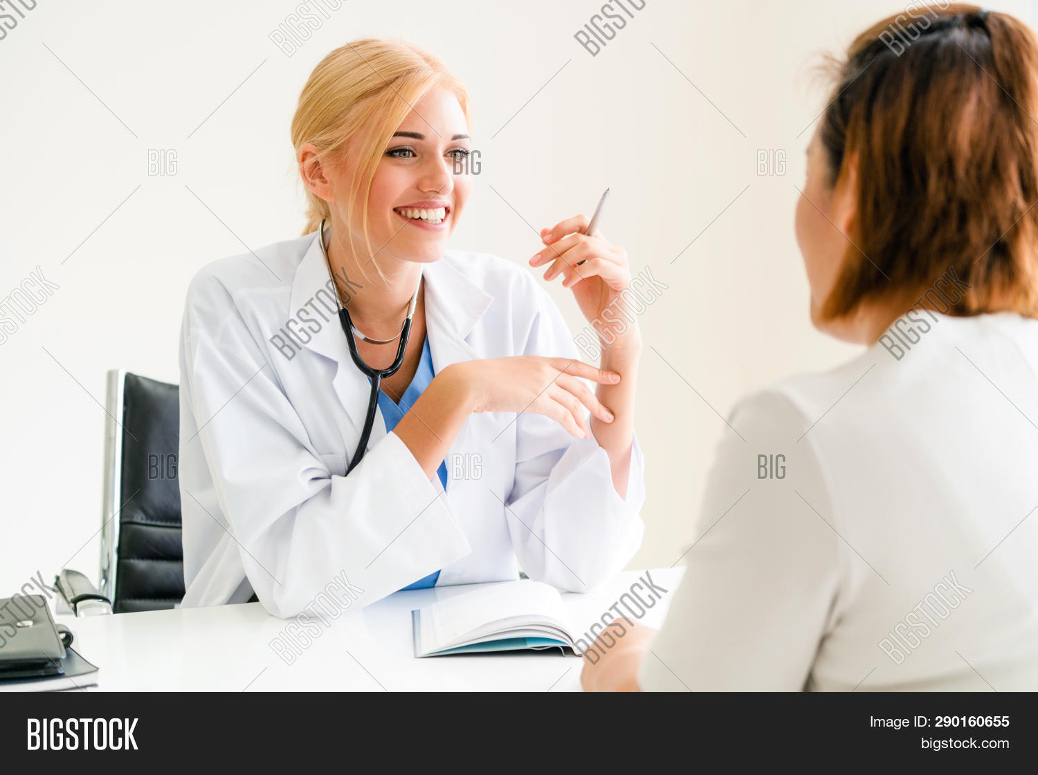 appointment,cancer,care,checking,clinic,computer,desk,doctor,doctoral,doctorate,doctored,examining,female,general,gp,happy,health,healthcare,healthcaring,hospital,hospitalization,hospitalizing,impatient,inpatient,male,man,mature,medical,old,outpatient,patient,patiently,premedical,senior,sick,smile,smiling,staff,stethoscope,talking,technology,treatment,visit,ward,women,worker,working,young