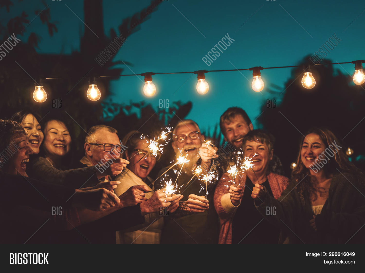 2020,adult,aged,asian,bar,birthday,celebrate,celebration,chinese,crowd,dinner,elderly,eve,family,feast,friends,friendship,fun,gathering,group,happy,hipster,holiday,home,laughing,lifestyle,light,men,millenial,millennial,multiracial,new,night,older,party,pensioner,people,restaurant,retirement,senior,smiling,social,spark,sparkler,summer,weekend,women,year,young,youth