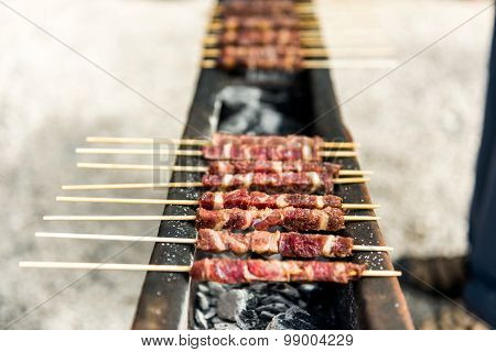 Arrosticini, grilled specialties in the Gran Sasso National Park stock photo