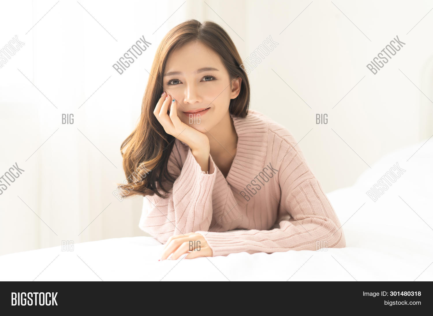 adult,asian,attractive,beautiful,beauty,bedroom,brunette,charming,chinese,chiness,cold,comfortable,cosmetics,cozy,cute,excited,expression,face,facial,fashion,female,girl,happy,health,healthy,home,japan,korea,lady,leisure,lifestyle,mobile,mouth,pensive,people,person,pink,portrait,pretty,room,season,selfie,skin,smiling,style,sweater,window,winter,woman,young