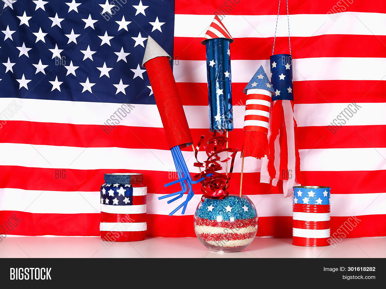 4,4th,america,american,background,celebration,children,craft,creative,day,decor,decoration,diy,firecracker,flag,fourth,gift,glass,handmade,history,holiday,idea,independence,international,jar,july,kid,memorial,nation,national,object,of,paint,patriotic,patriotism,petard,pride,red,rice,rocket,salute,sparkle,star,states,united,usa,vase,vintage