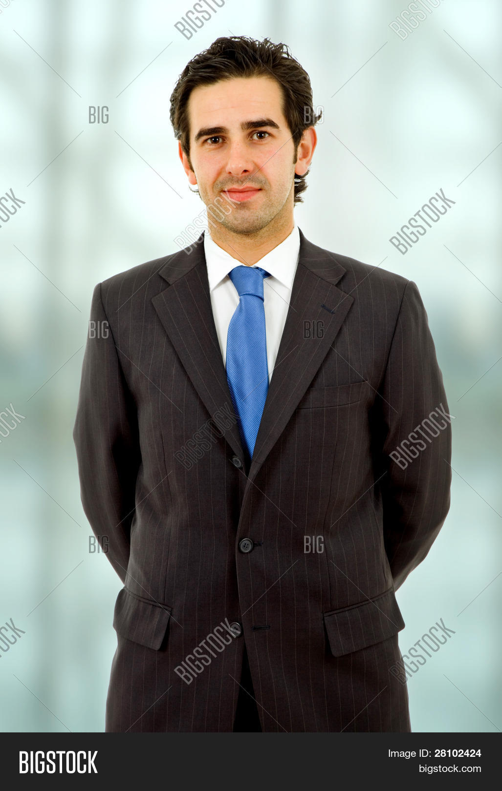 adult,alone,beginnings,business,businessman,business man,business men,calm,career,casual,caucasian,closeup,concentrate,confidence,confident,contact,contentment,corporate,employee,executive,face,guy,hair,handsome,happy,happy man,head,human,laugh,look,male,man,man portrait,mouth,one,pensive,planning,portrait,positive,single,smiling,staring,success,thinking,thoughtful,tie,vision,white,wondering,worker,young,youth