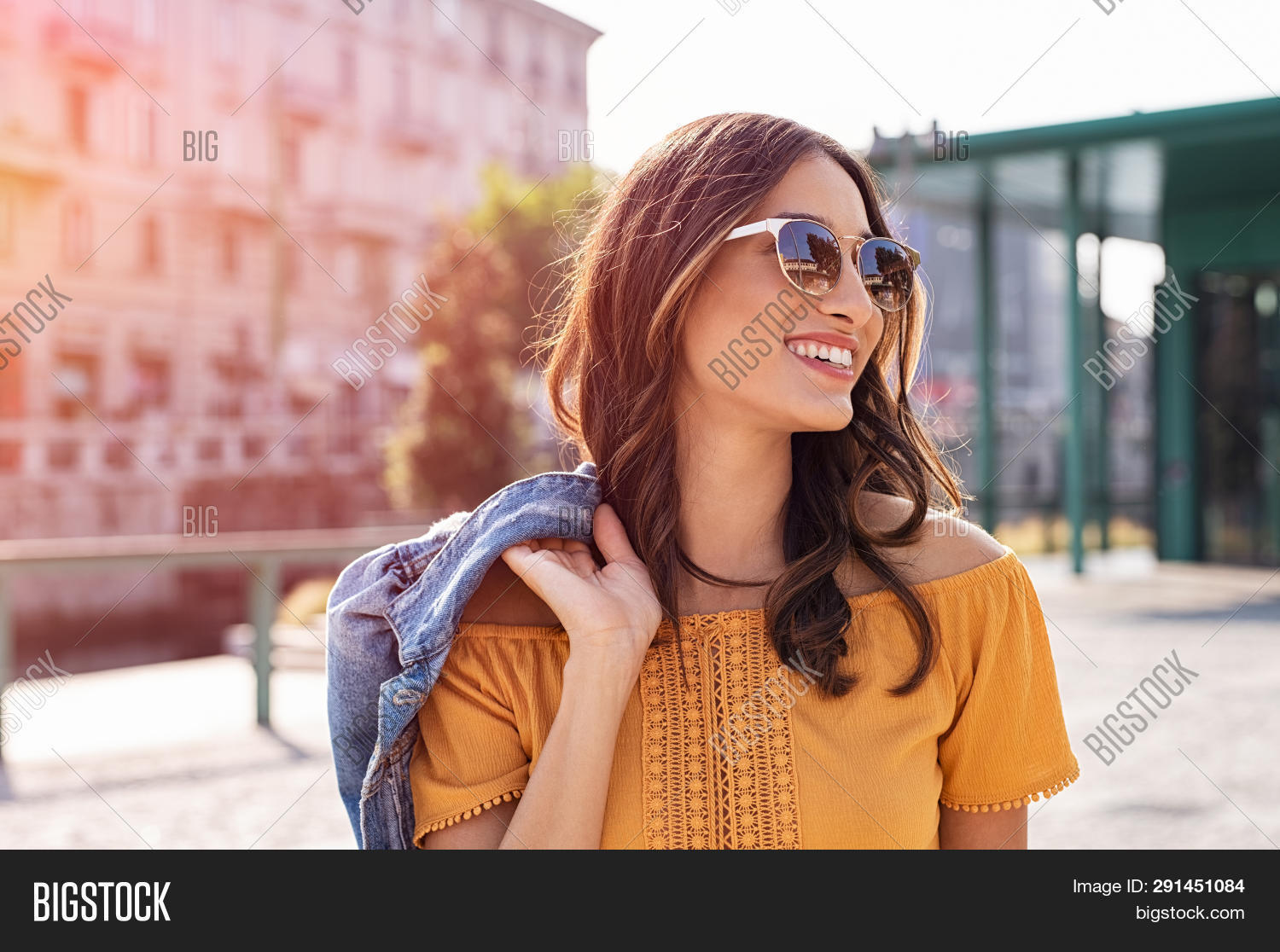 attractive,beautiful,beauty,carefree,casual,city,city background,city street,cool girl,fashion,fashionable,free,girl,glasses,happy,hispanic,latin,leisure,lifestyle,looking away,one,outdoor,outside,people,relax,serene,smile,spring,street,style,stylish,summer,sunglasses,sunset city,toothy smile,tourist,town,traveler,travelling,trendy,urban,vacation,walk,weekend,woman,young,young woman