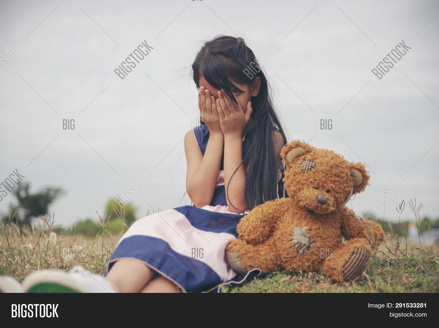 Sad Child With Family Problem,violence Of Parent Is The One Of Divorce In Bad Relation Family.stress