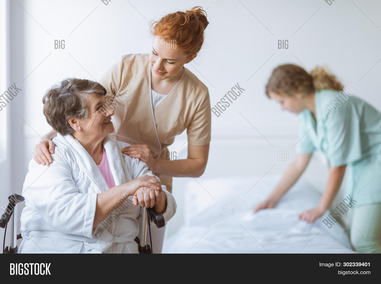 Arthritis,Diabetes,Elderly,Geriatric,Influenza,Pneumonia,alzheimer,attack,bed,blood,cancer,care,caregiver,cholesterol,disease,doctor,facility,grandma,grandmother,grandparent,healthcare,heart,helpful,high,home,hospital,illness,lady,making,nurse,nursing,old,osteoporosis,parkinson,patient,pensioner,pressure,professional,retirement,senior,side,social,stroke,support,volunteer,wheelchair,woman,young