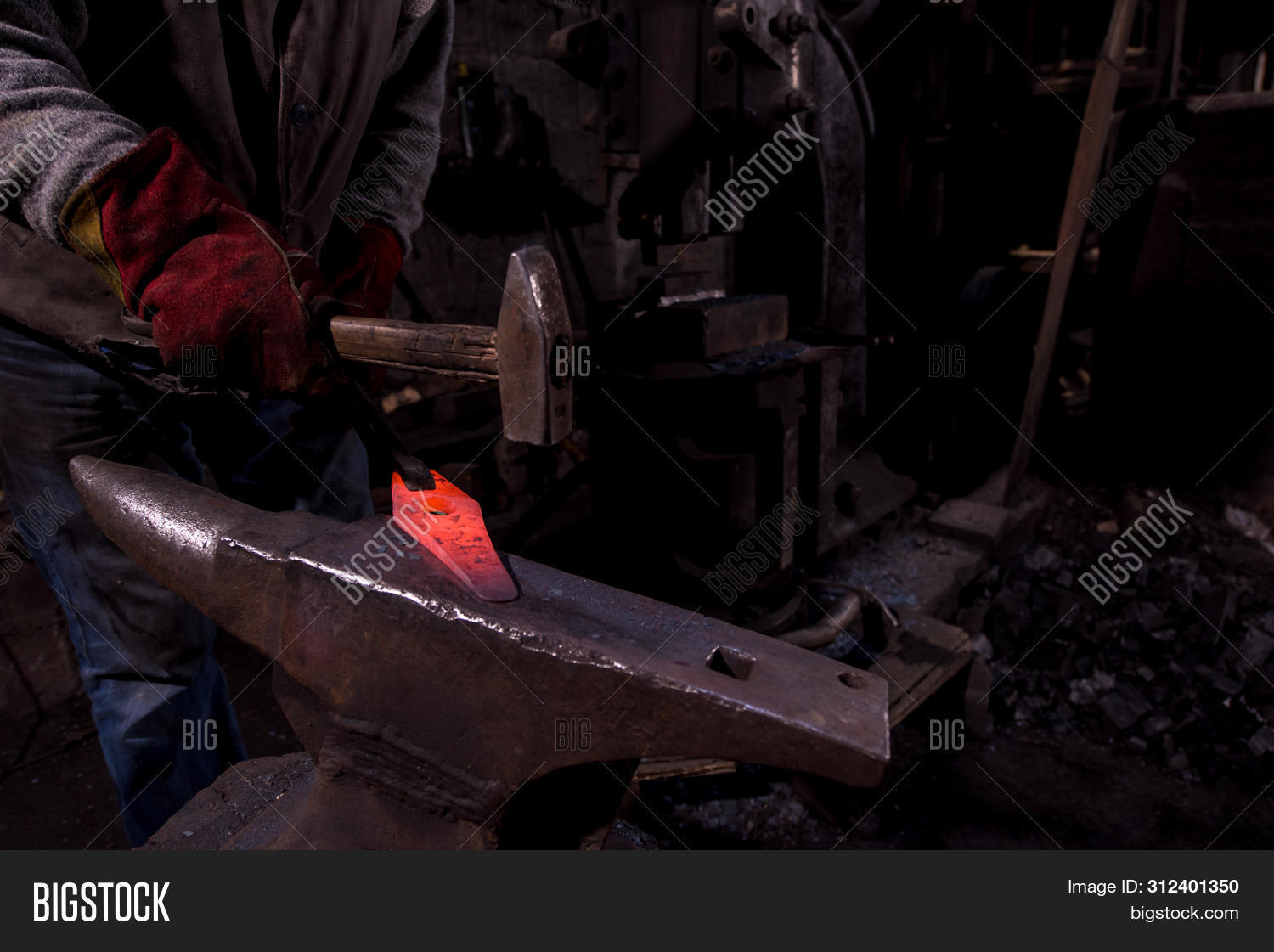 antique,anvil,blacksmith,blacksmithing,bright,craft,craftsman,craftsmanship,equipment,farrier,fire,fireworks,flame,forge,forging,glowing,hammer,hand,handmade,handwork,heat,heavy,hot,industrial,industry,iron,job,man,manual,manufacturing,metal,metalwork,molten,occupation,old,red,retro,shop,skill,smith,smithy,spark,steel,strike,tool,traditional,work,worker,workshop