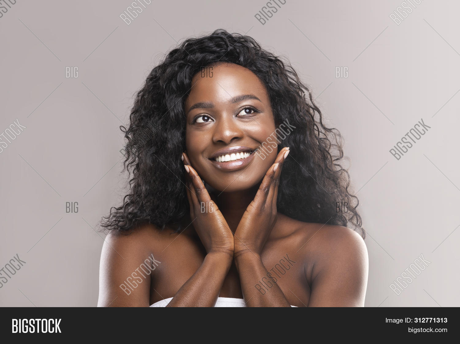 adult,afro,application,apply,applying,attractive,background,beautiful,beauty,black,body,care,cheek,clean,concept,cosmetic,cream,face,facial,female,feminine,fresh,girl,hand,healthcare,healthy,lotion,model,moisturize,moisturizer,pampering,perfect,pleasure,portrait,posing,relax,skin,skincare,smooth,soft,spa,touch,touching,treatment,wellness,woman,young,youth