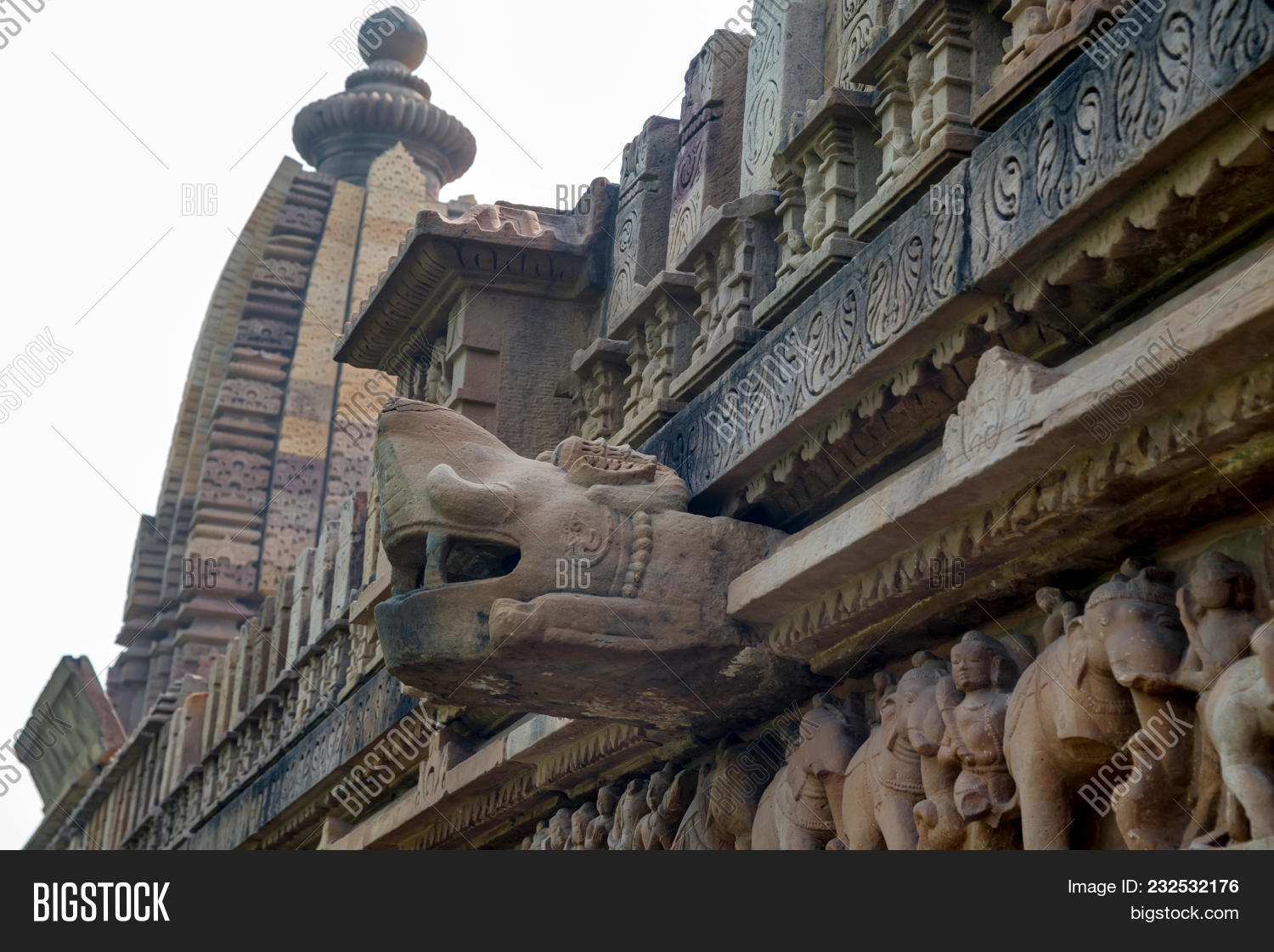 🔥 Close Up Stone Animal Head On Wall Of Lakshmana Temple