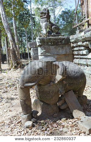 Prasat Krachap (Prasat Kra Chap) ruin, Koh Ker temple complex, Cambodia stock photo