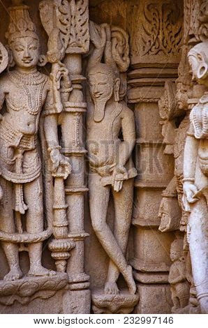 Carved idols on the inner wall of Rani ki vav, an intricately constructed stepwell on the banks of Saraswati River. Memorial to an 11th century AD King Bhimdev I. stock photo