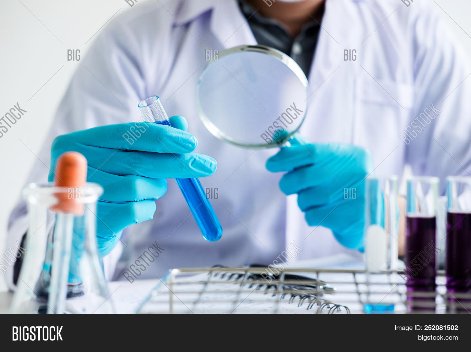 analysis,analyzing,beaker,biochemistry,biohazard,biotechnology,blue,chemical,chemist,chemistry,compound,development,discovery,doctor,education,equipment,experiment,expertise,flask,fluid,glasses,glassware,hand,health,healthcare,investigation,lab,laboratory,liquid,looking,man,medical,medicine,pharmaceutical,pipette,professional,reagent,report,research,researcher,sample,science,scientific,scientist,substance,technician,technology,test,tube
