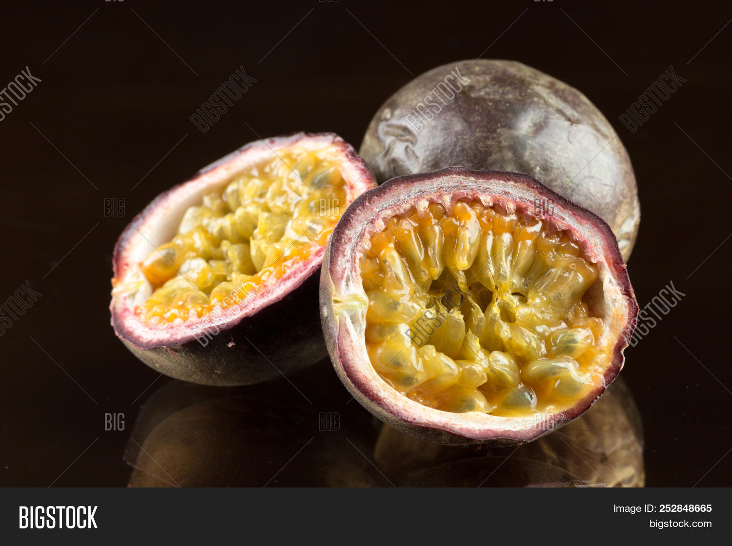 background,brazil,bright,closeup,color,core,cut,delicious,dessert,diet,drink,exotic,food,fresh,freshness,fruit,glass,gourmet,granadilla,green,half,healthy,juice,juicy,leaf,maracuja,maracujasaft,maracuya,natural,nature,nobody,open,passion,passion-fruit,passionfruit,refresh,refreshment,ripe,seed,sweet,tasty,tropical,tube,water,wooden,yellow