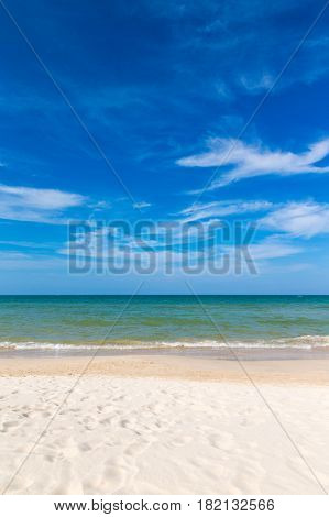 Beautiful beach.  Holiday and vacation concept. Tropical beach.-Dishwasher Magnet Skin (size 24x24)