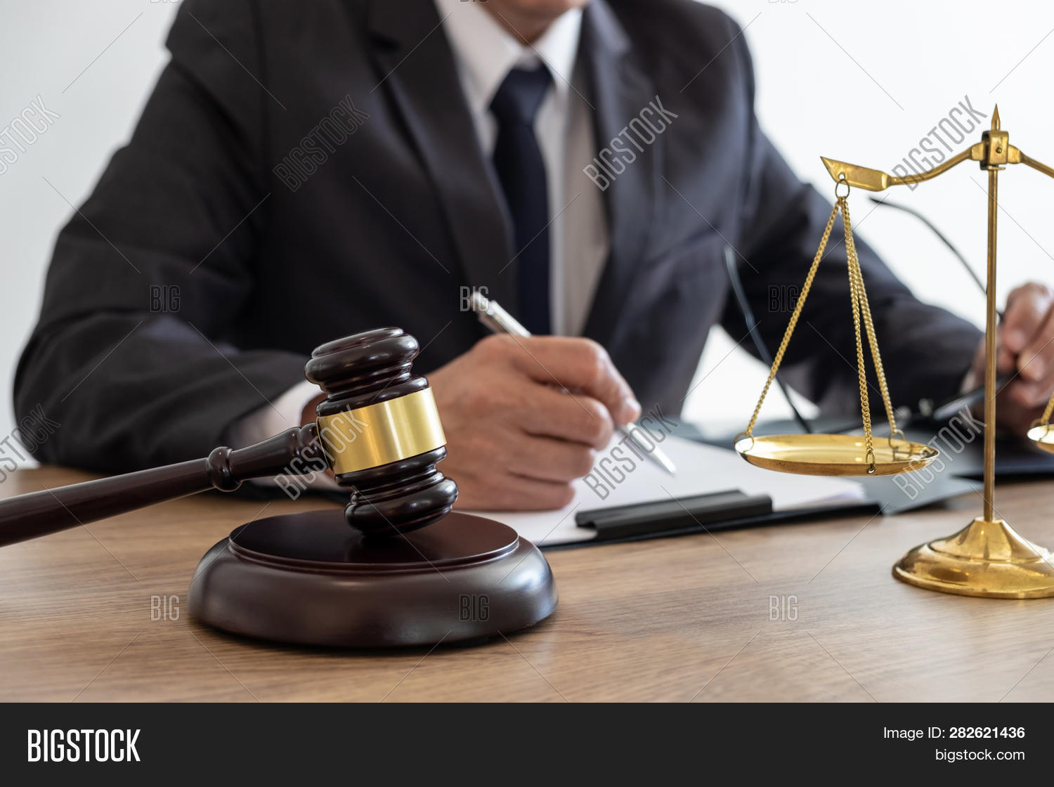 advice,advisor,advocate,agreement,attorney,auction,authority,balance,barrister,book,business,communication,consult,consultant,contract,counselor,court,courthouse,courtroom,criminal,document,equality,estate,fairness,firm,gavel,hammer,instructive,judge,judgement,judiciary,jurisprudence,justice,law,lawyer,legal,legislation,litigation,magistrate,meeting,notary,of,professional,prosecution,real,scale,tribunal,verdict,working