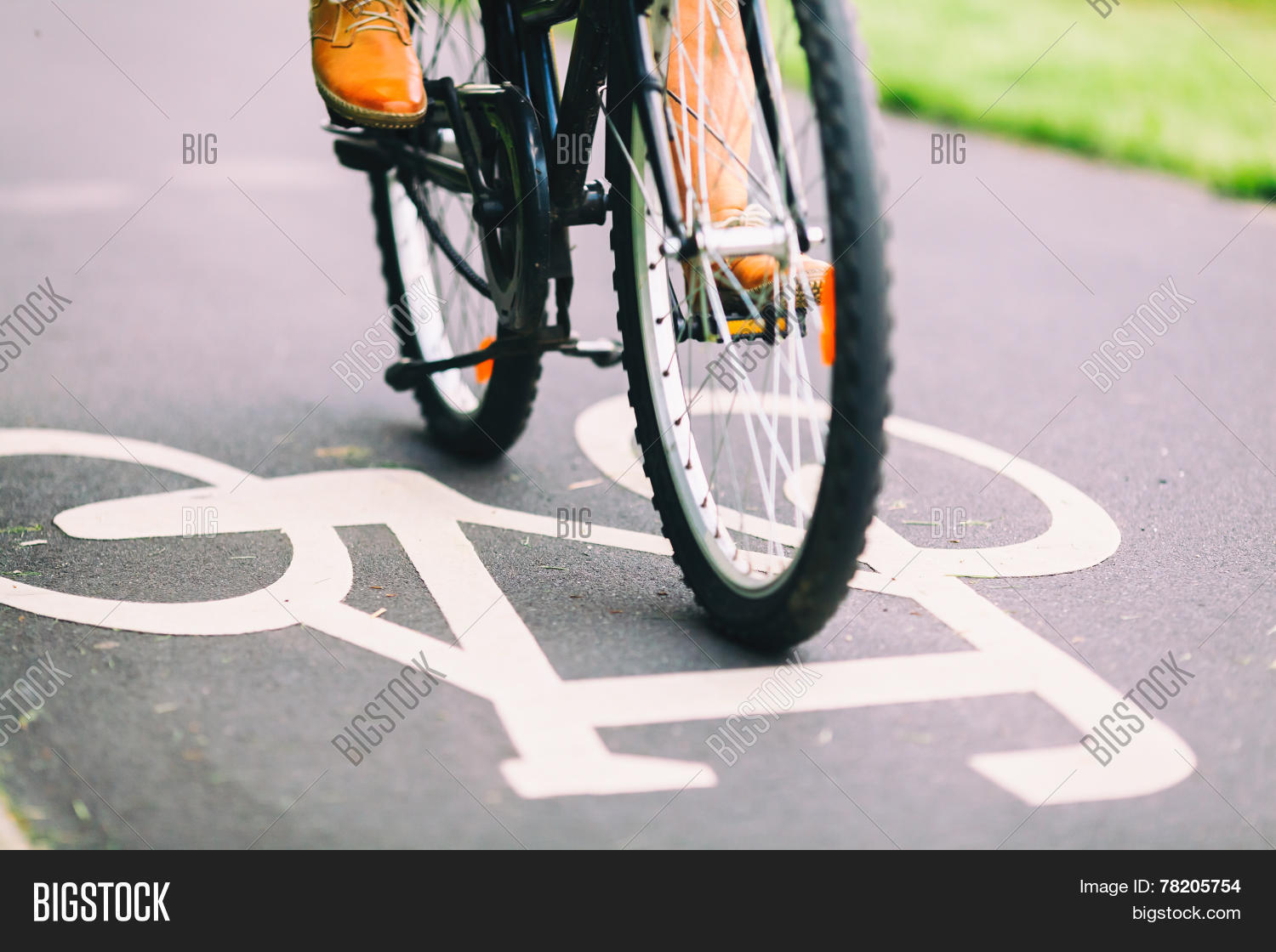 alternative,asphalt,background,background vintage,bicycle,bike,bikepath,bike riding,blur,blurred lights,bokeh,busy,city,city background,city street,color background,colorful,colorful background,colorful backgrounds,colors,commute,commuter,commuting,concept,cycling,day,ecological,ecology,exercise,fit,fitness,fitness man,healthy,healthy man,healthy people,how it works,inspiration,inspirational background,light background,lights,lights background,man,marking,old,old man,old people,paint,path,people,people working,person,retro,retro man,retro sign,ride,road sign,road signs,sign,sport,sports background,street,street light,street signs,sun,symbol,town,transport,urban,urban city,urban street,vintage,vintage background,vintage backgrounds,vintage bicycle,vintage man,vintage people,vintage sign,working out,working people,work out