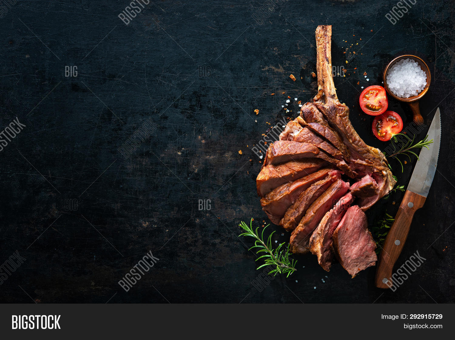 above,aged,background,barbecue,bbq,beef,beef steak,beefsteak,black,board,boeuf,bone,close-up,cooked,cooking,copy space,cote,cut,dark,dinner,dry,eating,entrecote,food,gourmet,grill,grilled,knife,meal,meat,pepper,piece,porterhouse,rare,red,rib,rib eye,roast,roasted,rosemary,seasoning,slice,sliced,spices,steak,tomahawk,top view,wagyu