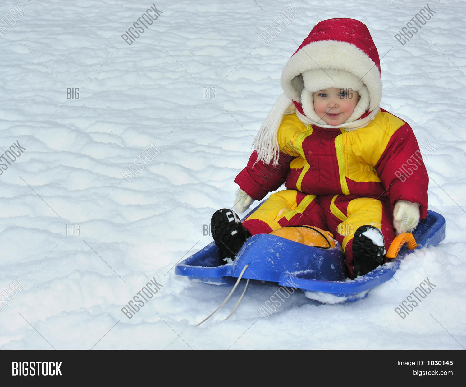 accelerate,active,baby,child,children,christmas,cold,exercise,extreme,fast,freeze,fun,girl,gloves,happy,holiday,ice,infant,jacket,kid,laughter,little,mitten,outdoors,people,play,playing,race,racers,sled,sledding,slide,smile,snow,snowboard,snowflakes,speed,sports,tobogan,toddler,winter,winter holiday,young