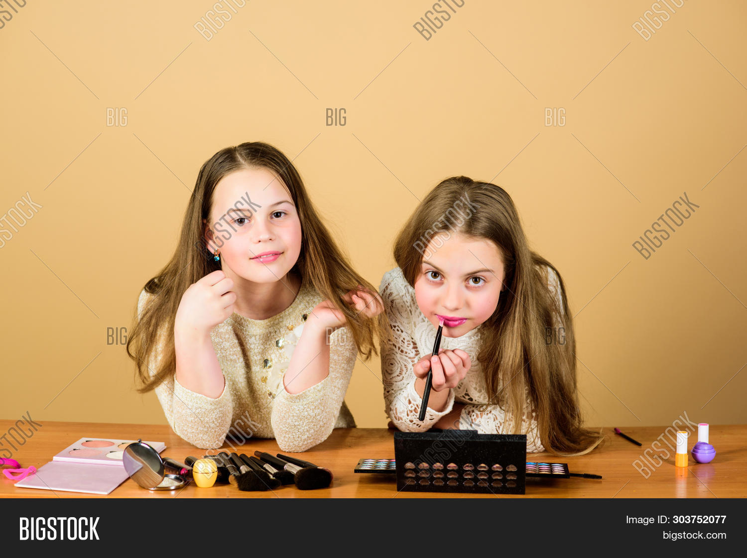 adorable,apply,applying,art,artists,babies,beautiful,beauty,children,collection,colour,cosmetic,cute,decorative,designer,expert,face,facial,girls,glitter,glittering,gloss,glow,hair,kids,lipgloss,lips,lipstick,little,long,look,make-up,makeover,makeup,paint,painting,pretty,products,salon,sisters,skin,skincare,small,stylish,tools,tutorial,visage,visagiste