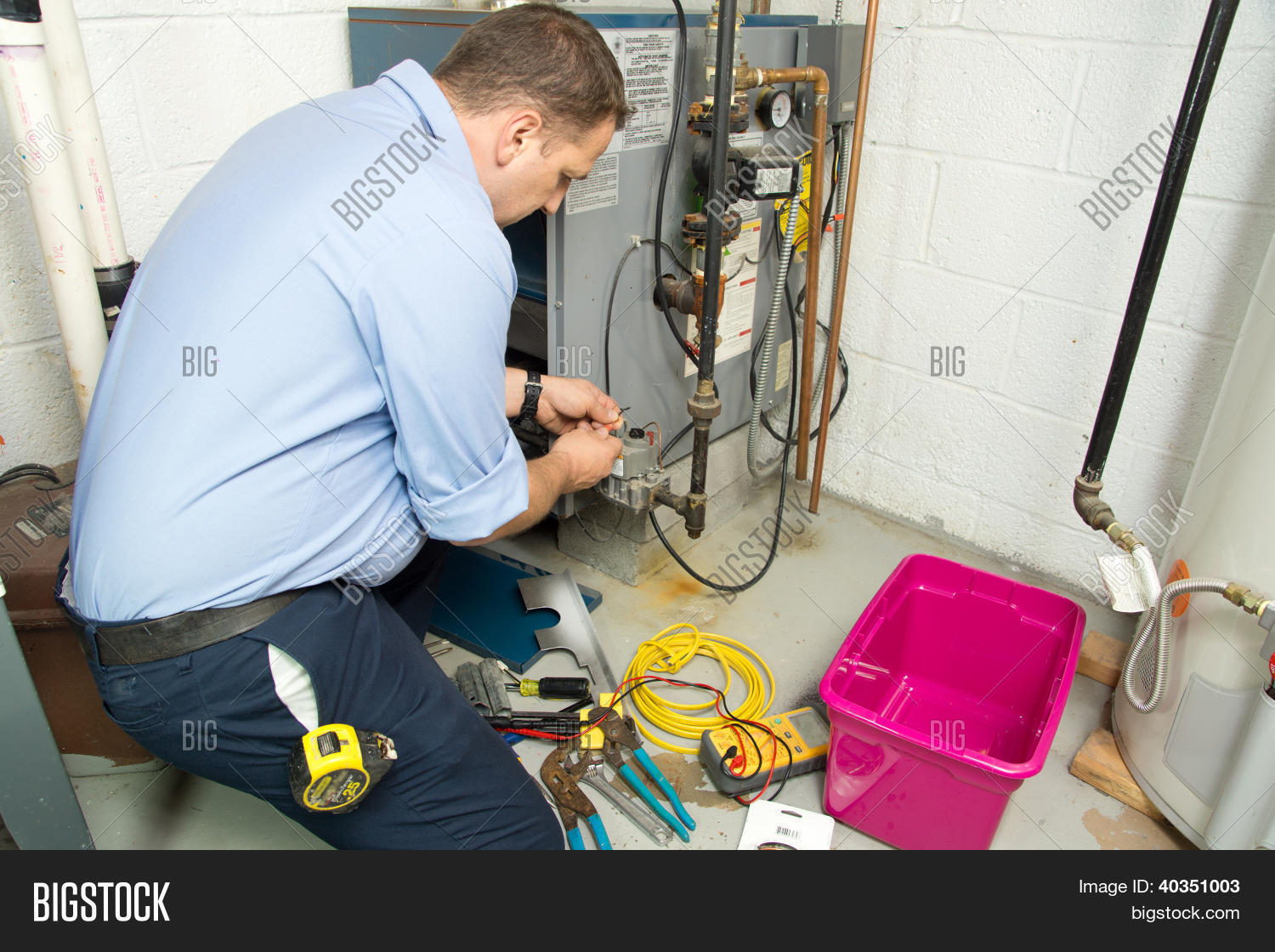 able,acrid,assembling,boiler,building,burn,burner,business,carbone,combustible,combustion,craft,craftsman,electric,electrical wires,electrician,employment,energy,expansion,exploding,extinguisher,fire,fire extinguisher,fixing,flame,furnace,furnace repair,gas,heat,heating,hot,inflammable,measurement,oven,pipe,piping,plumber,plumbing,plumbing pipes,pose,professional,repair,reparation,service,site,supply,system,tank,thermal,thermostat,tools,water,worker,works