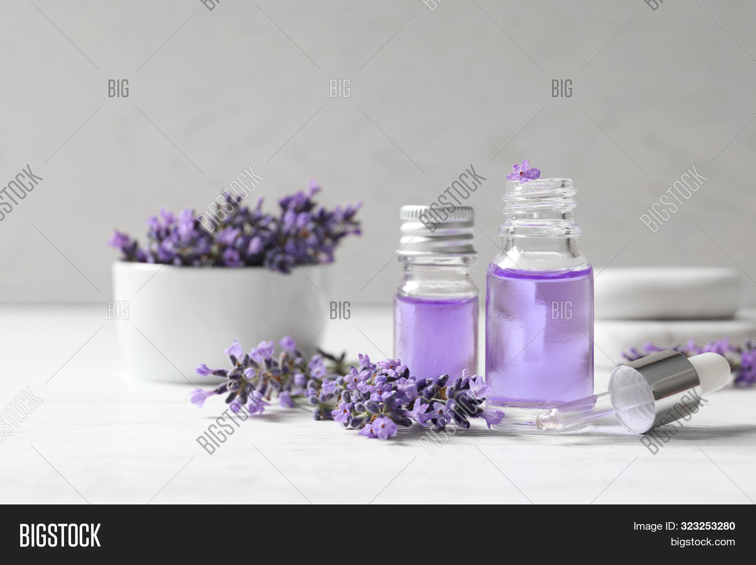 alternative,aroma,aromatherapy,aromatic,artisan,background,bath,beauty,body,bottles,boutique,care,concept,cosmetic,diy,dropper,essential,floral,flowers,fragrance,fresh,glass,health,herbal,homemade,ingredient,lavender,lifestyle,lotion,massage,natural,object,oil,organic,perfume,pipette,products,provence,purple,relax,skin,spa,space,table,therapy,wellness,white,wooden
