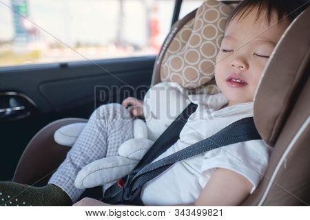 Traveling Toddler Sleep