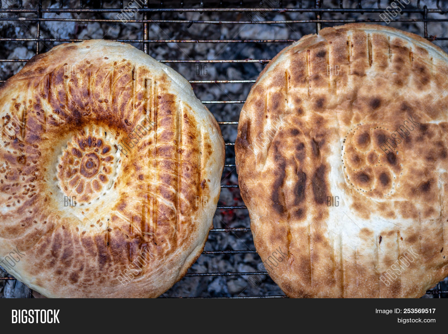 activity,ash,bake,barbecue,blaze,bonfire,bread,brick,bright,brochette,brown,burn,burnt,camp,campfire,coal,cook,cooking,dinner,eating,effect,embers,energy,fashion,fashioned,fire,fireplace,firewood,flame,food,grill,hearth,heat,hot,italian,log,meal,natural,old,old-fashioned,open,oven,pizza,restaurant,roast,roasting,traditional,warm,wood,wood-fire