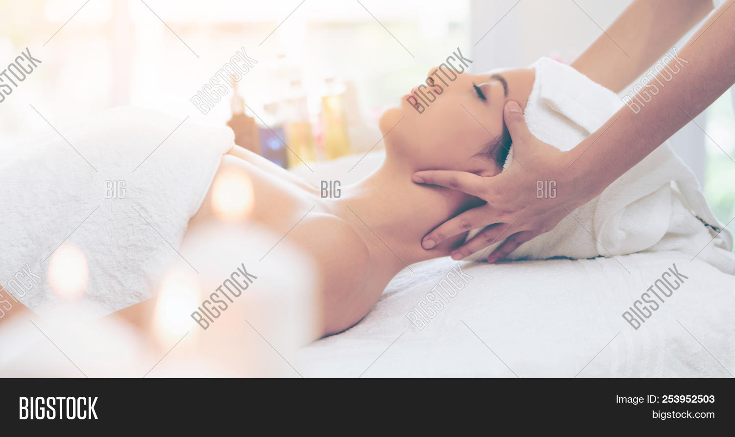 aromatherapy,beautiful,beauty,body,care,center,cosmetic,face,facial,female,fresh,girl,hand,head,health,healthcare,healthy,herbal,luxury,lying,massage,massager,massaging,medical,medicine,natural,nature,neck,palm,portrait,rejuvenate,relax,relaxation,relief,resort,salon,spa,stress,therapist,therapy,towel,tranquil,tranquility,treatment,wellbeing,wellness,white,women