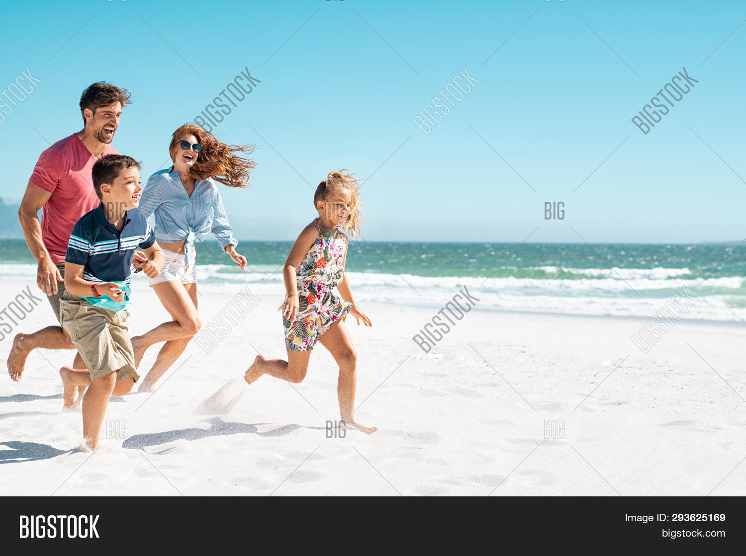 active,beach,boy,brother,carefree,carefree family,casual,cheerful,child,children,content,copy space,daughter,enjoy,family running on beach,family with two children,father,free,fun,girl,happy,healthy,holiday,joyful,kids,laugh,leisure,man,mother,ocean,parent,parents,people,playing,run,running family,sand,sea,sister,sister and brother,smile,son,summer,summer beach,summer holiday,together,vacation,vitality,woman,young