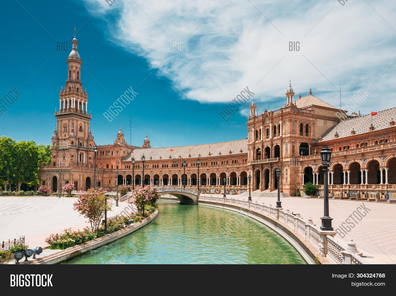 Plaza,Seville,andalucia,andalusia,architecture,attraction,beautiful,boat,building,canal,city,culture,de,espana,europe,exterior,famous,heritage,historic,historical,history,holiday,house,landmark,mediterranean,monument,nobody,old,outdoor,palace,park,place,scene,sevilla,sightseeing,sky,spain,spanish,square,summer,town,traditional,travel,water