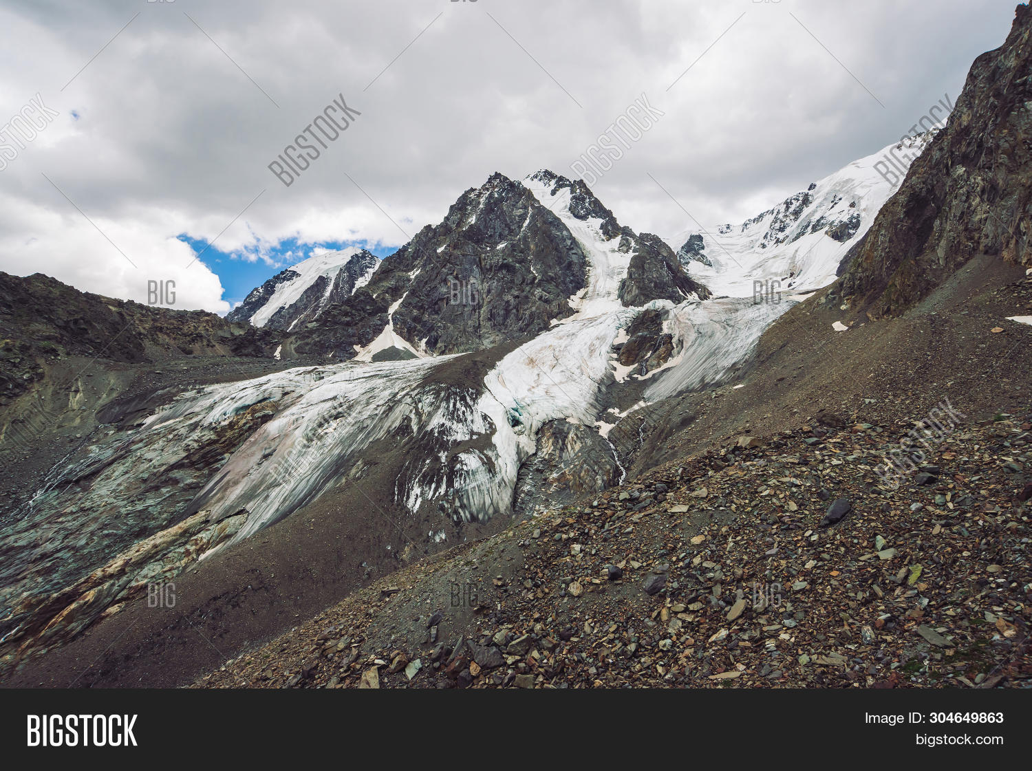 Alps,Altai,Canada,Iceland,Oregon,Scotland,alpine,atmospheric,background,beautiful,breathtaking,cloud,footpath,freedom,glacier,highland,hike,hiking,hill,ice,idyllic,inspiring,landscape,moraine,mountain,mountainside,nature,outdoors,peak,picturesque,range,ridge,rock,rocky,scenery,scenic,snow,snowy,stones,summer,sunshine,top,tourism,tranquility,travel,view,wanderlust,white,wilderness,wonderful
