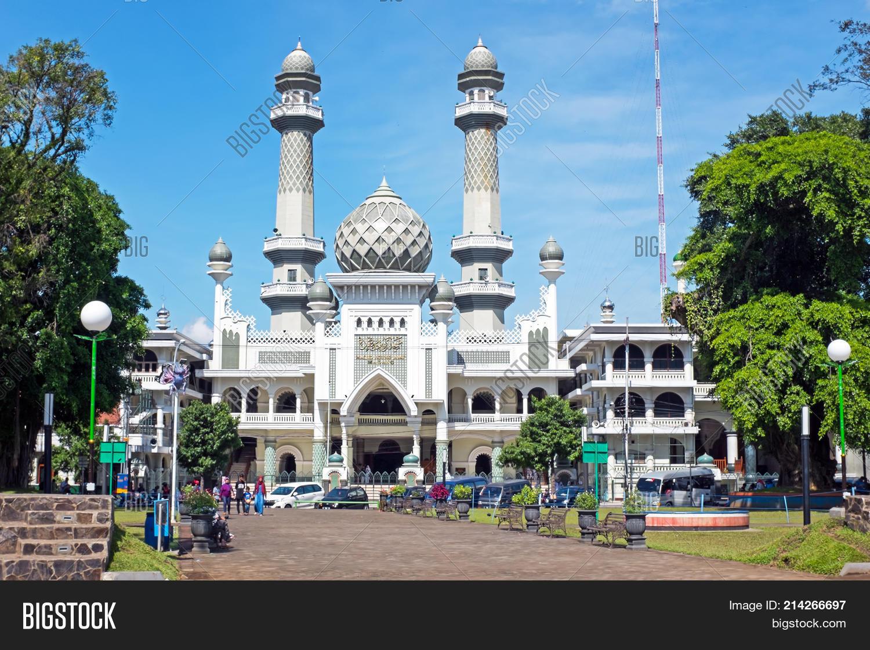 Mosque Masjid Agung Malang In Malang Java Indonesia 214266697 Image Stock Photo