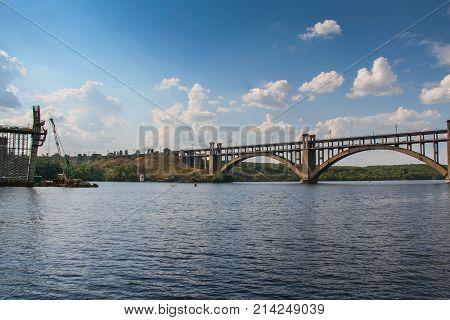 Construction Of Automobile Bridges Across The Dnieper River