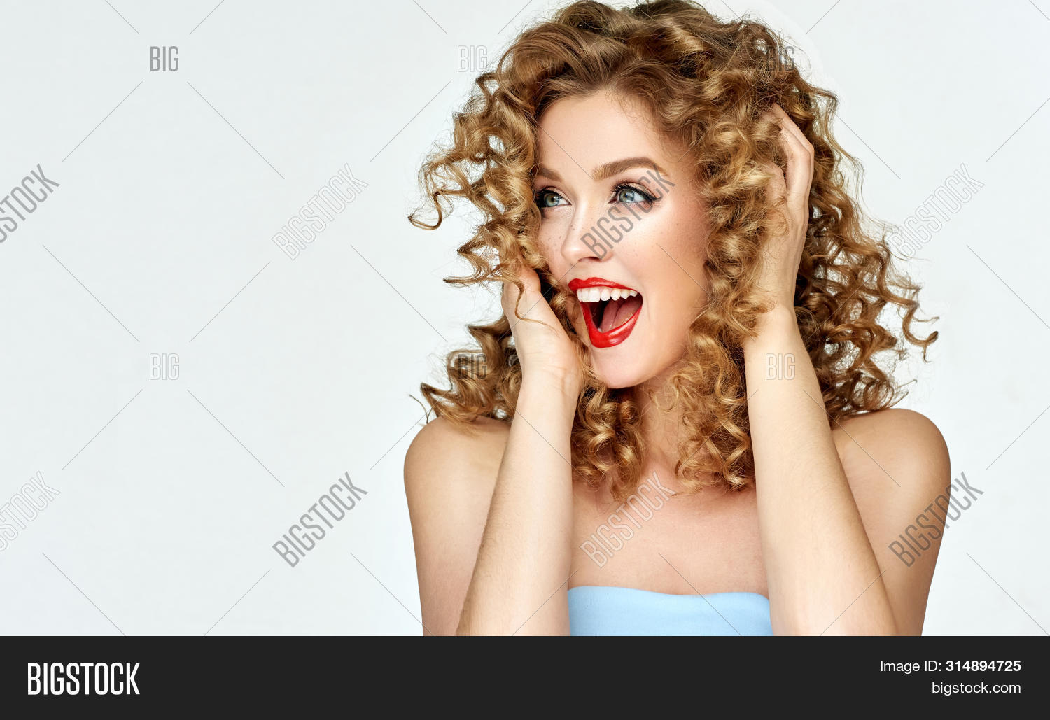 amazed,beautiful,beauty,blonde,care,color,colorful,cosmetics,curly,delight,direction,elegance,emotions,expressions,face,facial,fashion,finger,fun,girl,good,hair,hairdresser,hairstyle,hand,happiness,joy,laughter,look,make,make-up,makeup,model,mood,perfume,pin,pleasure,red,retro,sale,salon,screaming,show,showing,smile,surprise,up,vintage,woman,wonder