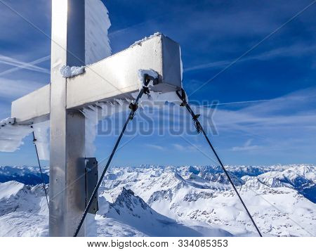 Beautiful and serene landscape of mountains covered with snow in Mölltaler Gletscher, Austria. Thick snow covers the slopes. Clear weather. Perfectly groomed slopes. Massive ski resort. Glacier skiing stock photo