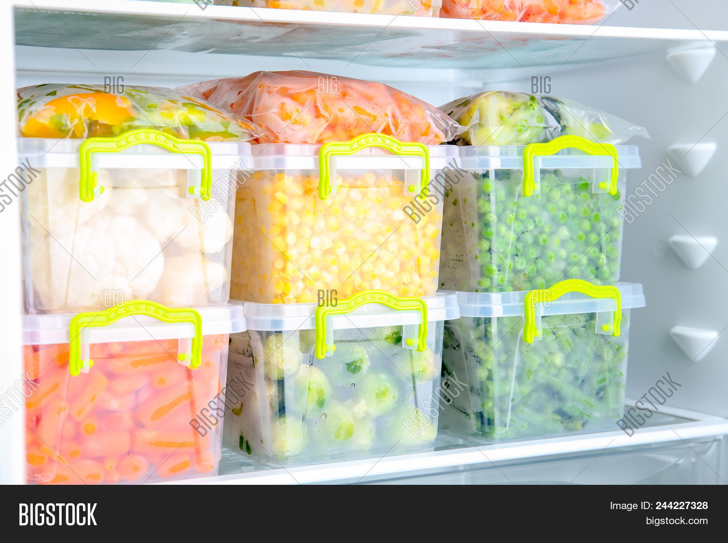 appliance,assortment,background,box,brussel,carrot,clean,closeup,cold,containers,corn,deep,different,domestic,electric,equipment,food,freeze,freezer,freshness,fridge,frost,frozen,groceries,healthy,home,homemade,household,icebox,ingredient,kitchen,mix,object,peas,preserve,products,raw,refrigeration,refrigerator,shelf,sprouts,storage,temperature,variety,vegan,vegetables,vegetarian,veggies