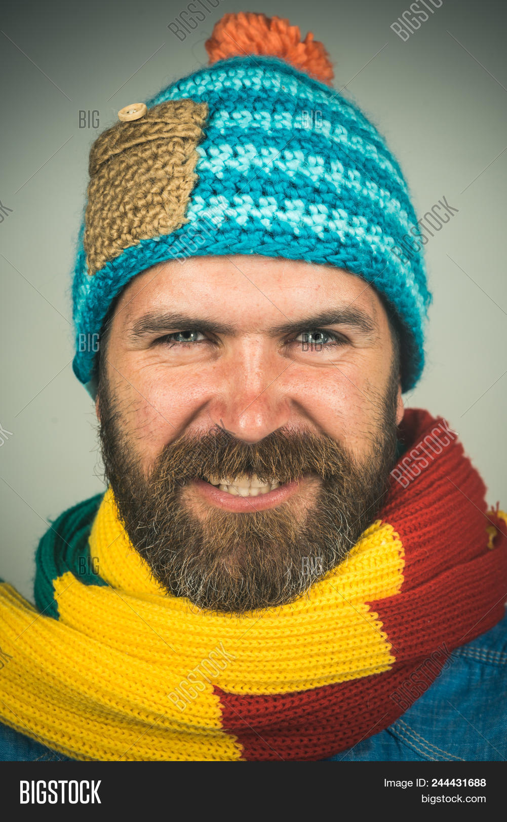 attractive,autumn,beard,bearded,beautiful,cap,casual,cheerful,clothes,clothing,cold,confident,cool,european,face,fall,fashion,fashionable,fun,guy,handsome,happiness,happy,hat,hipster,holiday,joy,lifestyle,male,man,men,model,modern,mustache,portrait,scarf,season,sexy,smile,smiling,snow,style,stylish,time,trendy,vogue,warm,wearing,winter,wool