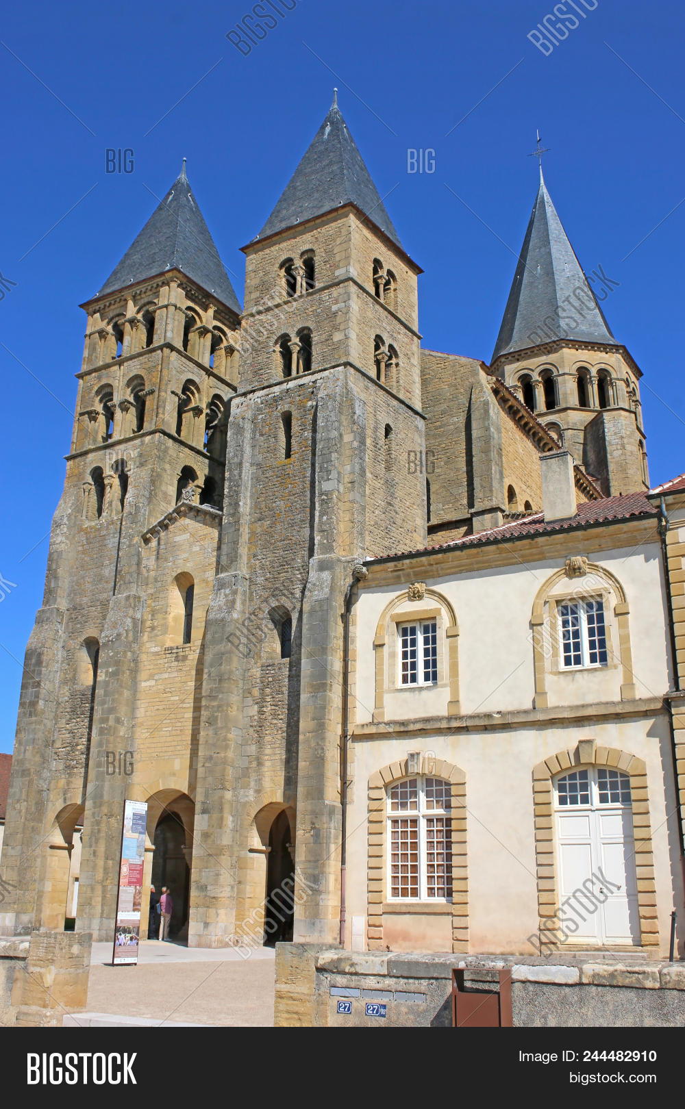 Architecte Paray Le Monial ? basilica of sacre coeur in paray le monial, france