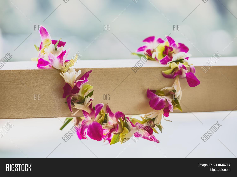 hawaii luau icon travel concept fresh lei flowers necklace aloha izmirmasajfo