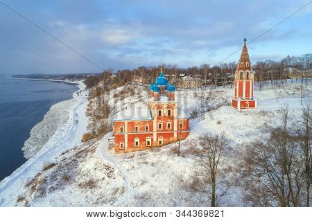 Ancient Church of the Icon of the Mother of God of Kazan on the banks of the Volga River on a January afternoon (shooting from a quadrocopter). Tutaev (Romanov-Borisoglebsk). Yaroslavl region, Russia stock photo